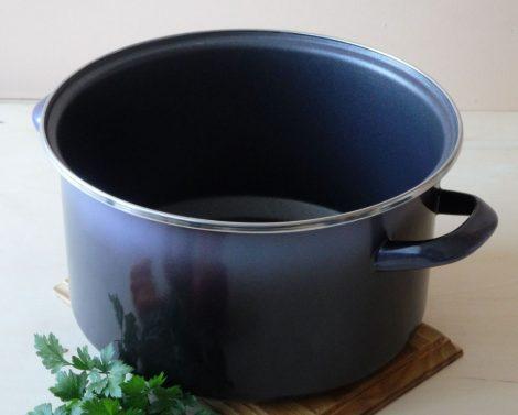Enamelled Pot with Teflon 24 cm